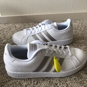 NEW Adidas Grand Court Leather Sneaker